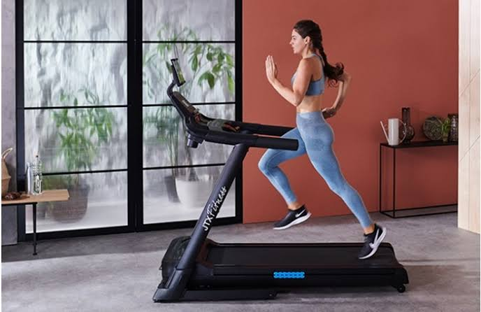 Reasons Why It's Beneficial To Hire A Treadmill For Home Exercising