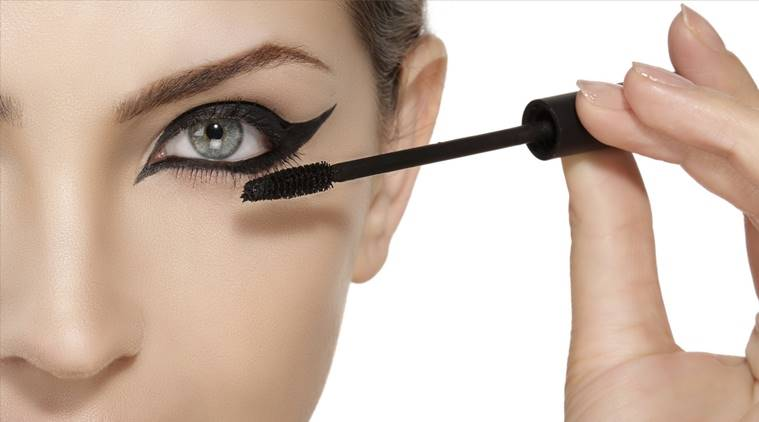 Tips on How to Apply Mascara Properly