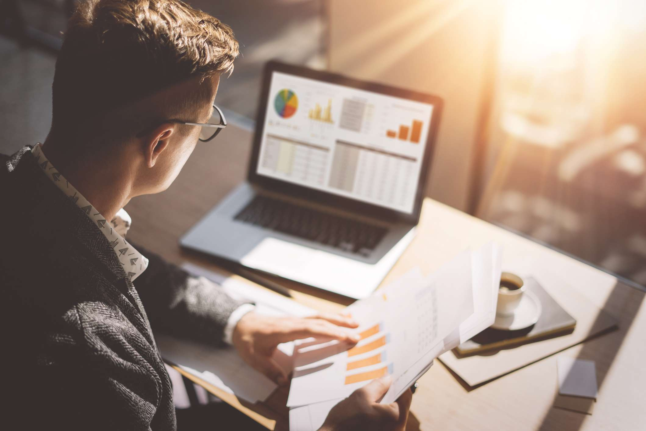 5 Tips to Hire the Best Financial Advisor