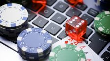 Things Everyone Should Consider While Gambling Online